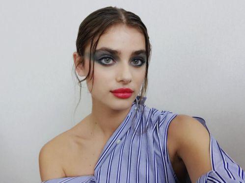 Description. Zoom sur le maquillage du défilé Chanel printemps,été 2018