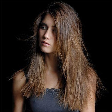 Coupes de cheveux des femmes Г la mode pour les cheveux raides