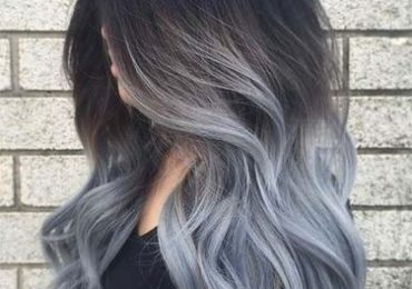 Coupe de cheveux mi long gris