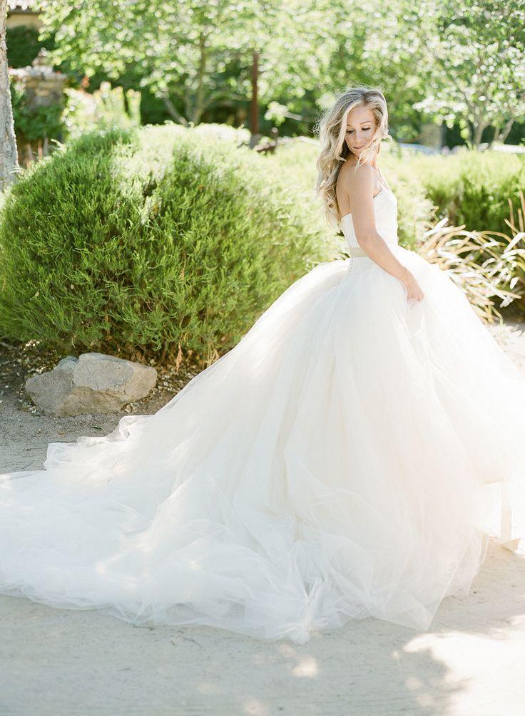 Tendance robe de mari e 2017 2018 epic vera wang for Meilleures robes de mariage vera wang