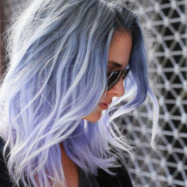 cheveux bleu gris couleur de cheveux yeux bleus gris with cheveux bleu gris trendy cheveux. Black Bedroom Furniture Sets. Home Design Ideas