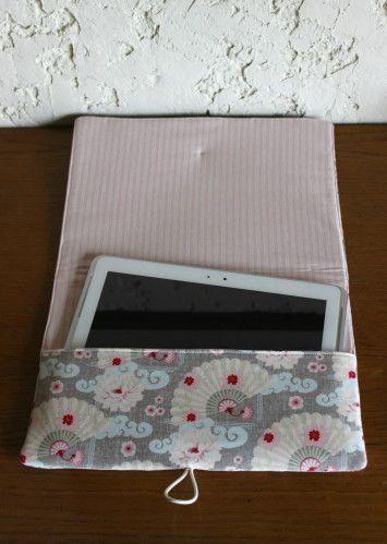 tendance sac 2017 2018 jolie pochette pour ranger sa tablette d 39 apr s un tuto de mondial. Black Bedroom Furniture Sets. Home Design Ideas