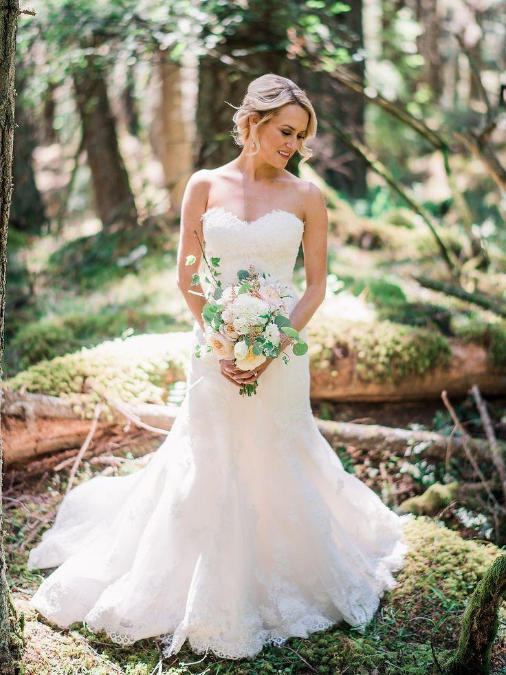 tendance robe de mariee 2017 2018 lace sweetheart neckline wedding dress photography ryan flynn. Black Bedroom Furniture Sets. Home Design Ideas