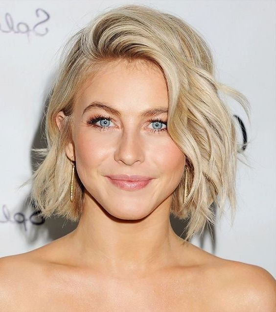 Modele coiffure carre boucle