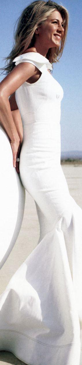 Jennifer Aniston Le Mystère De Sa Robe De Mariée Enfin